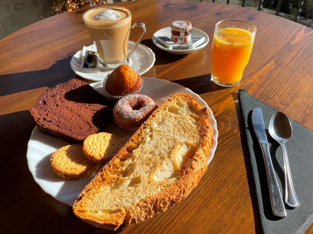 Desayuno dulce de Casa Taconera
