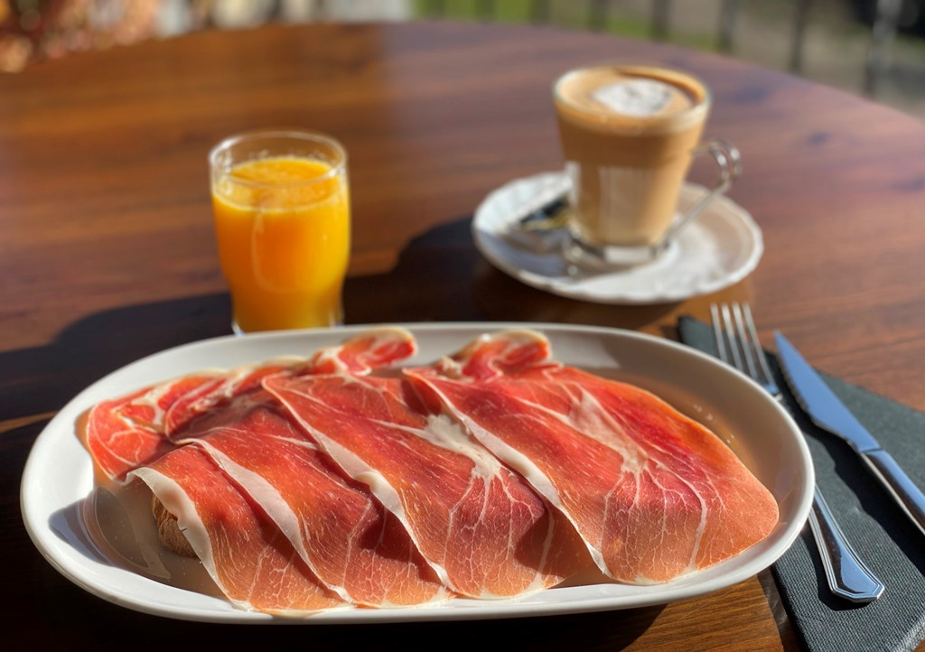 Desayuno salado de casa Taconera
